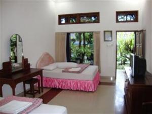 ratu room double bed