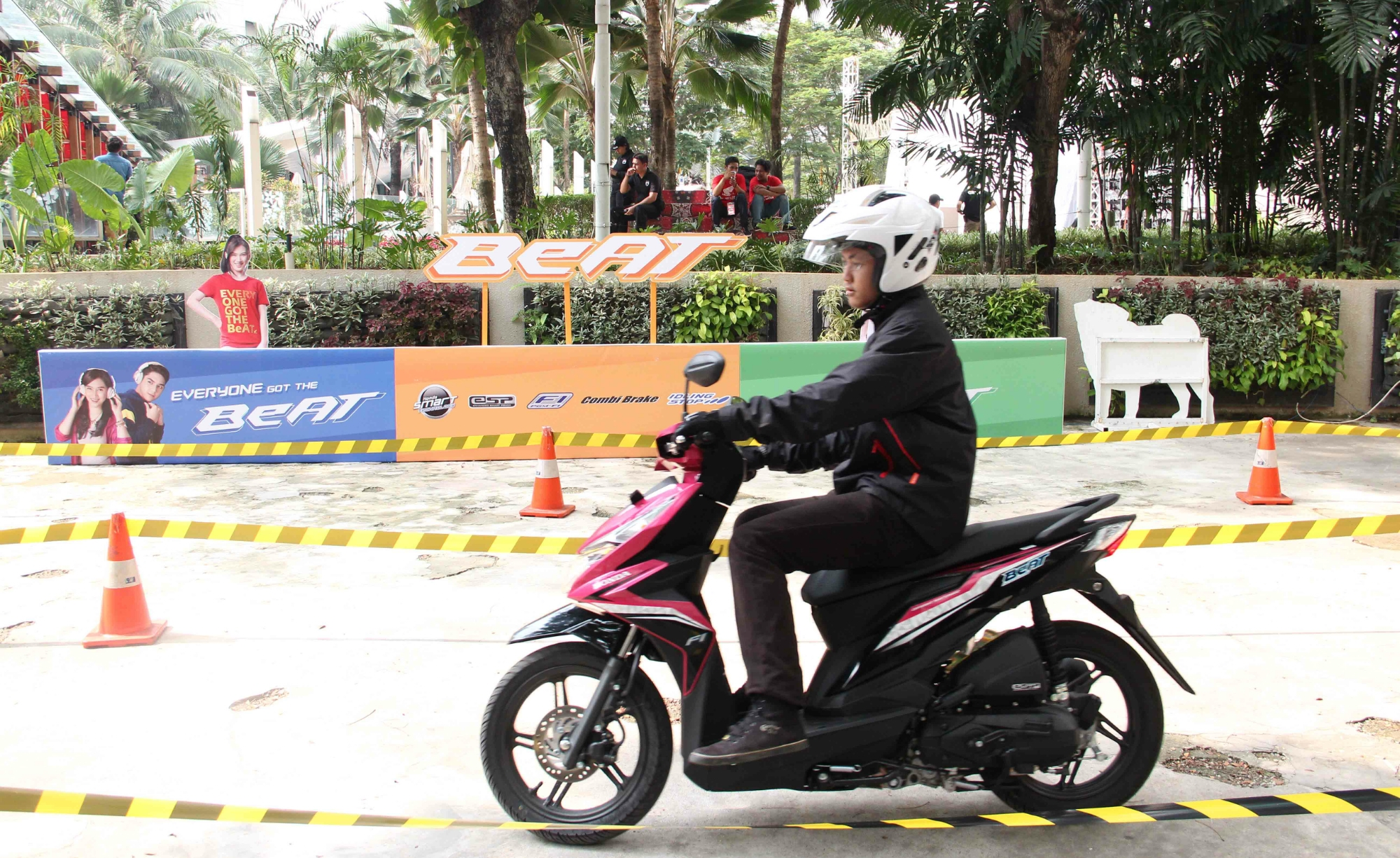 Ide 95 Modifikasi Honda Beat Magenta Terunik Janur Modifikasi
